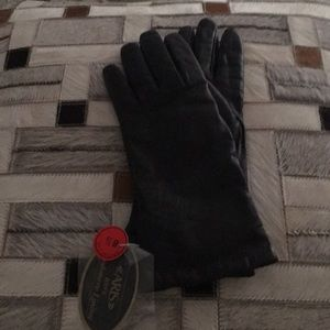 Aris Accessories - Cashmere lined black leather gloves by Aris